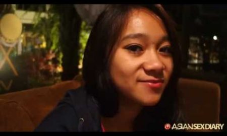 ria from bali